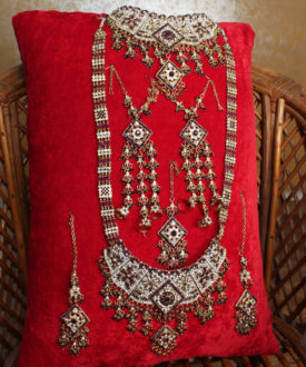 Exquisite Maroon Seven Pieces Bridal Set